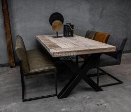 Industriele steigerhouten tafel dwarsplank