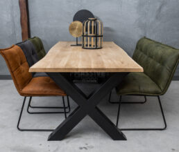 Industriële eiken boomstamtafel met stoelen en eetkamerbank SETPRIJS